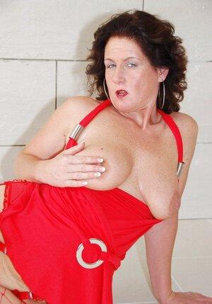 Manuela Mature Slut Pt2