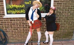 2 Insane Skool Ladies