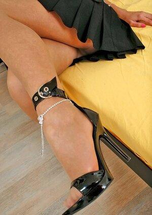 Gladys insane nylon soles teaser