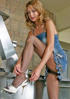 Cora leggy nylon feet teaser