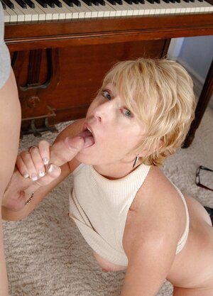 Horny Anilos instructor Chanel likes getting plowed by a hot student