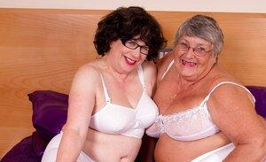 Libby & Auntie Trisha