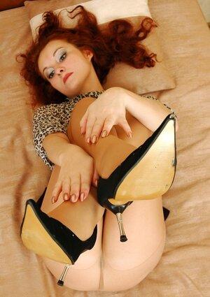 Jasmin pretty nylon soles teaser